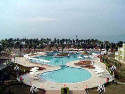 Spring Resort 1
