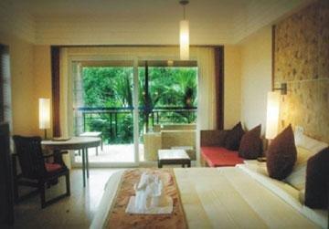 Paradise Rainforest Spa & Resort 10