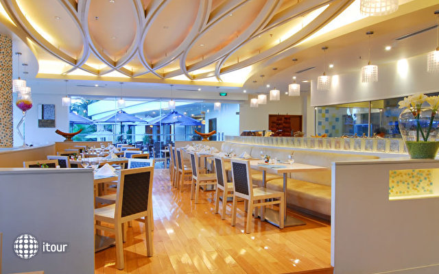 Days Hotel & Suites Sanya Resort 1