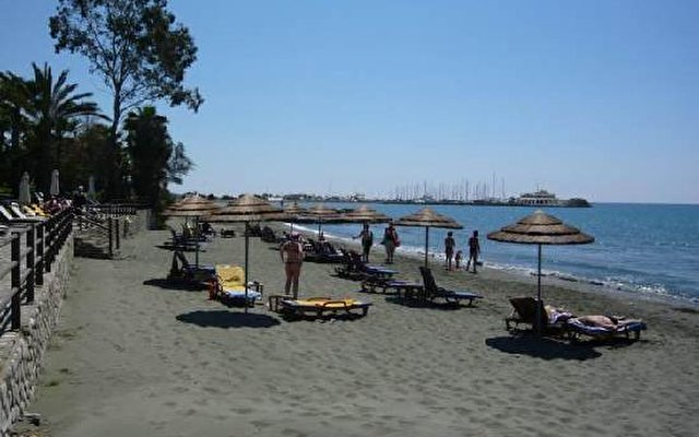 Elias Beach 2