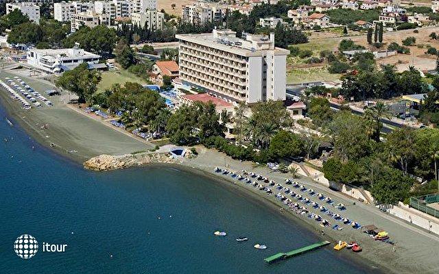 Poseidonia Beach  1
