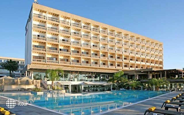 Crowne Plaza Limassol 2