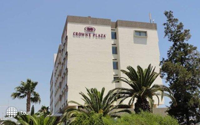 Crowne Plaza Limassol 4