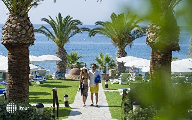 Mediterranean Beach Hotel 6