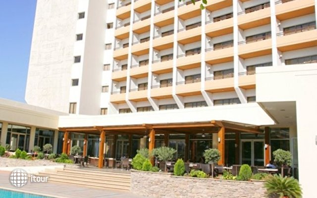 Ajax Hotel 3
