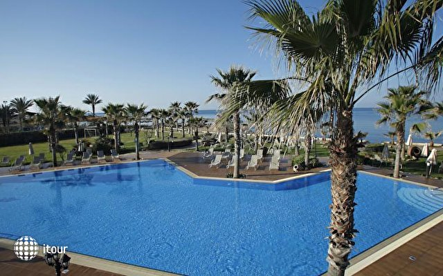 Aquamare Beach Hotel & Spa 8