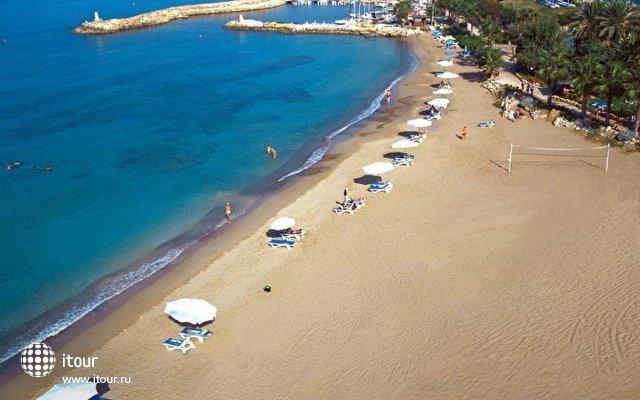 Coral Beach 4