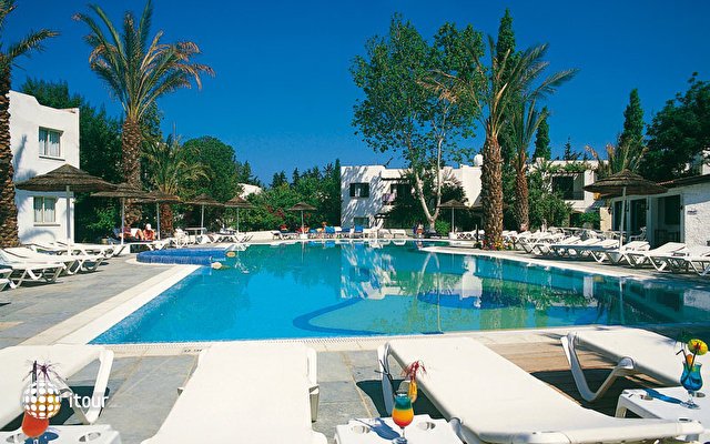 Paphos Gardens Holiday Resort 4