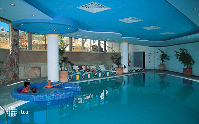 Paphos Gardens Holiday Resort 5