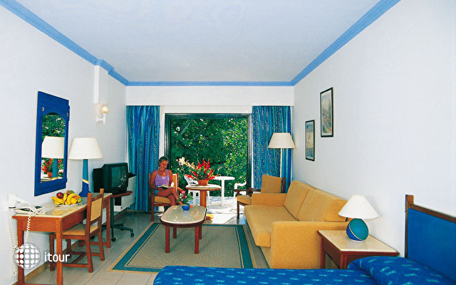 Paphos Gardens Holiday Resort 6