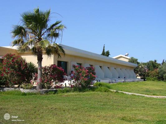 Natura Beach Hotel & Villas 3