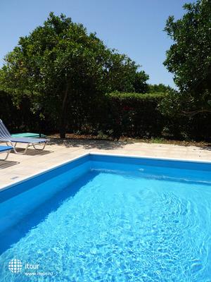 Natura Beach Hotel & Villas 5