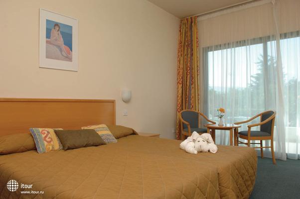 Natura Beach Hotel & Villas 9