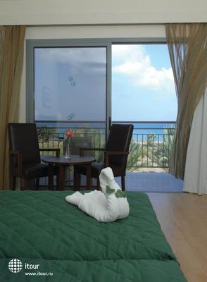Natura Beach Hotel & Villas 10