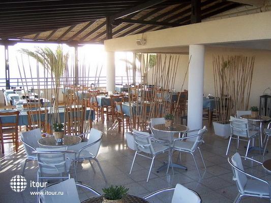 Vrachia Beach Aparthotel 7