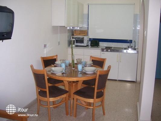 Vrachia Beach Aparthotel 8