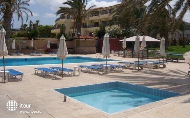 Vrachia Beach Aparthotel 1