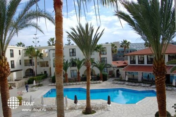 Panareti Paphos Resort 6