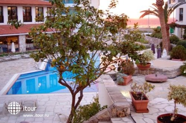 Panareti Paphos Resort 7
