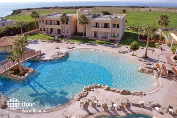 Panareti Paphos Resort 8