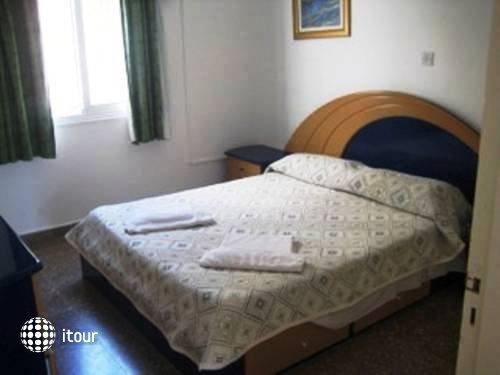 Neptune Hotel Apartments 3