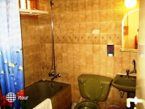 Neptune Hotel Apartments 8