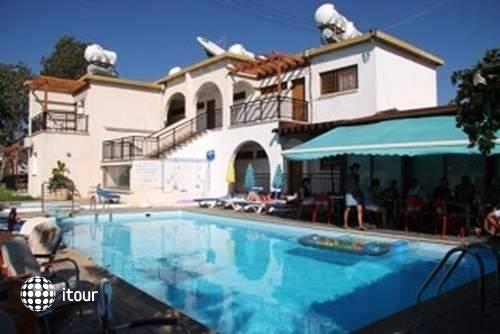 Neptune Hotel Apartments 2