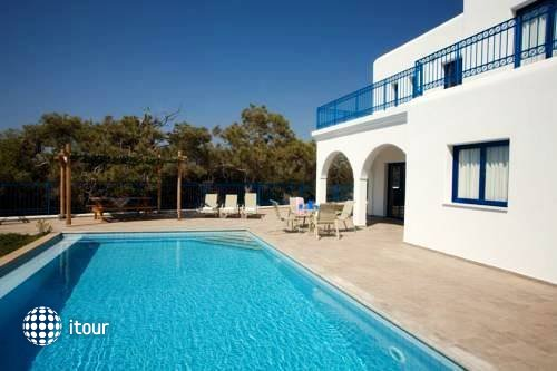 Azzurro Luxury Holiday Villas 10