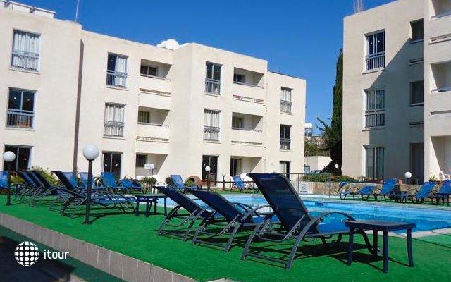 Daphne Hotel Apts 9