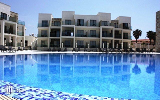 Amphora Hotel & Suites 9