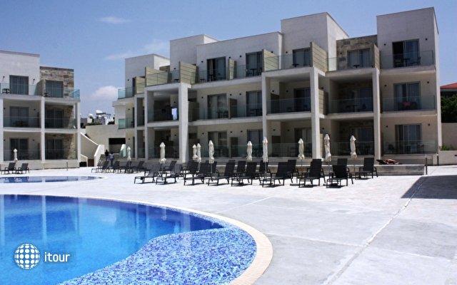 Amphora Hotel & Suites 7