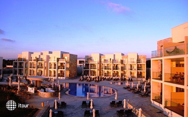 Amphora Hotel & Suites 1