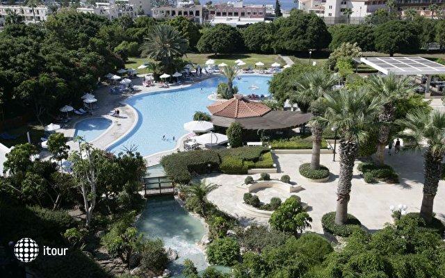 Avanti Hotel 2