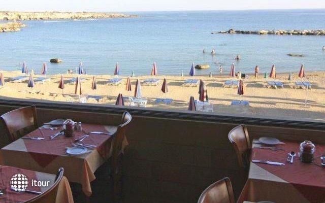 Corallia Beach Apts 5