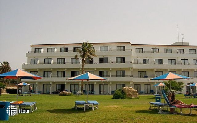 Corallia Beach Apts 9