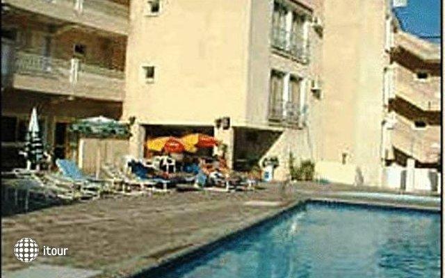 Antonis G Hotel 2