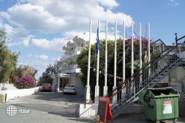 Antonis G Hotel 3