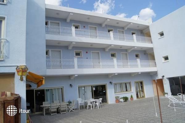 Antonis G Hotel 7