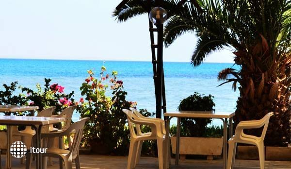 Sand Beach Castle Hotel 3