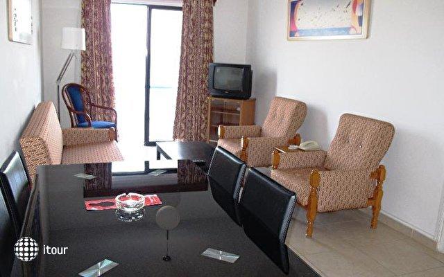 Augusta Hotel Apartments  3