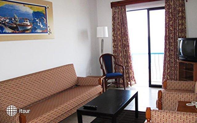 Augusta Hotel Apartments  6