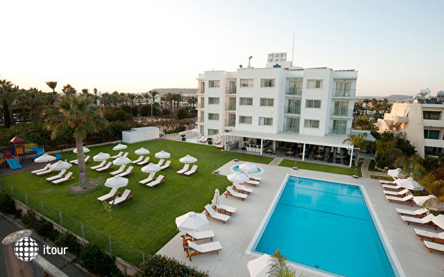 Frixos Suites Hotel Apartments 6