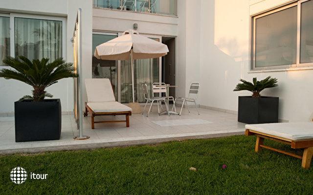 Frixos Suites Hotel Apartments 10