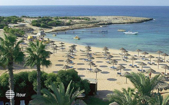 Dome Beach Hotel & Resort 4