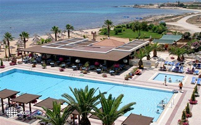 Dome Beach Hotel & Resort 8