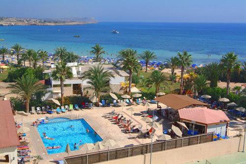 Nelia Beach 7