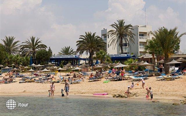 Crown Resorts Yiannoula Beach Hotel 1