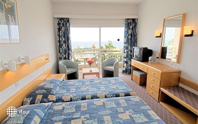 Crown Resorts Yiannoula Beach Hotel 4