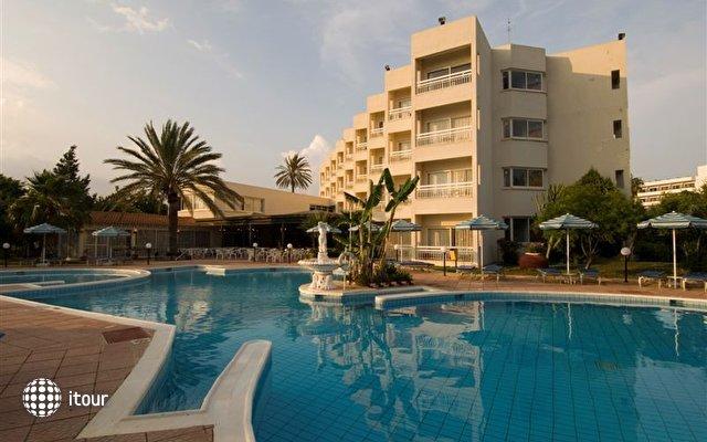 Crown Resorts Yiannoula Beach Hotel 2