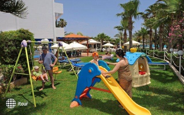 Oceanos Beach Hotel 9
